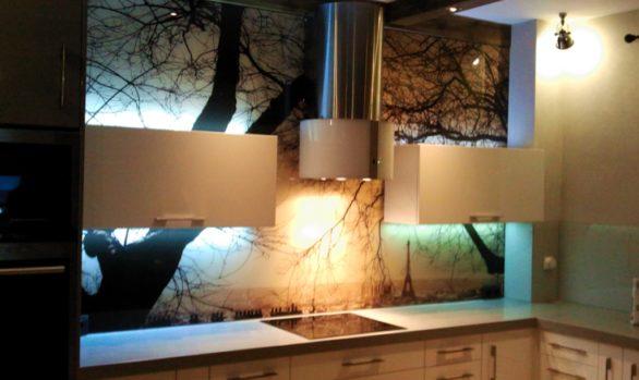 Ekran w kuchni - panorama Paryża